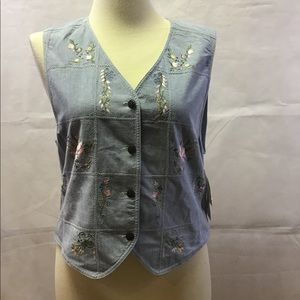 New vest button Pink  flowers embroidered